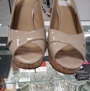 Guess platform heels 8.5
